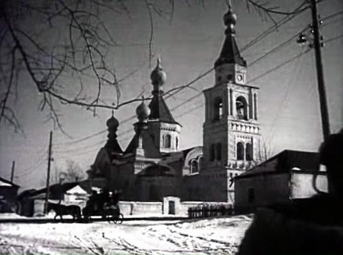 Казанская церковь в Отрожке. Кадр из фильма «Золотой эшелон» (1959 год)