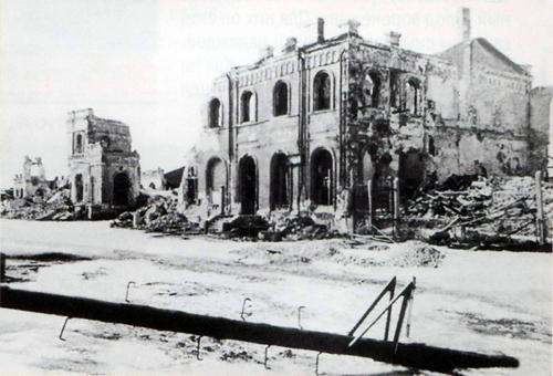 Фото взорванного немецкими войсками воронежского вокзала (1943 год)