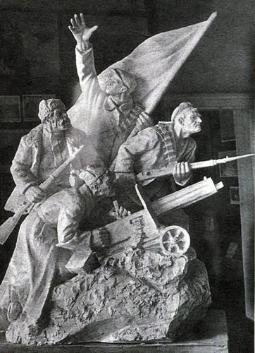 Скульптура В.Ф. Буримова внутри воронежского вокзала (1960-е годы)