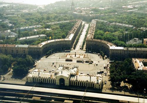 Воронежский вокзал и привокзальная площадь