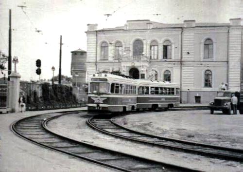 Административное здание Ю.В.ж.д. (1964 год)