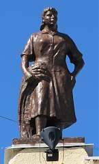 Скульптура на здании воронежского вокзала (левое крыло) №1