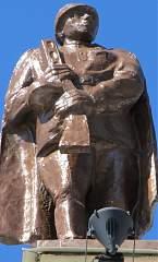 Скульптура на здании воронежского вокзала (правое крыло) №7