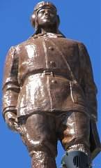 Скульптура на здании воронежского вокзала (правое крыло) №8