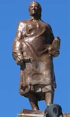 Скульптура на здании воронежского вокзала (правое крыло) №11