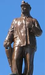 Скульптура на здании воронежского вокзала (правое крыло) №12